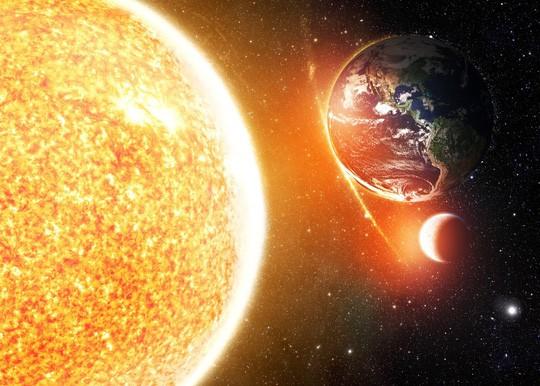 Mặt trời tương lai sẽ bùng nổ khiến trái đất trở nên nóng đến mức không thể sống nổi - Ảnh: Shutterstock