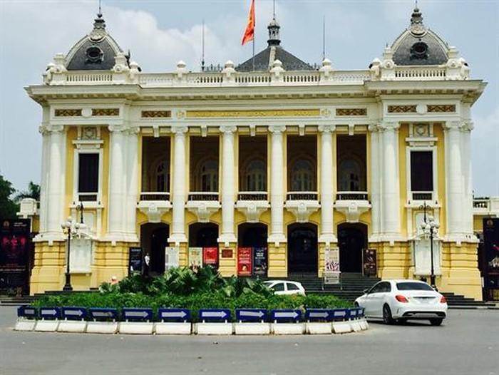 Nhà hát Lớn, một công trình kiến trúc tiêu biểu của thành phố Hà Nội