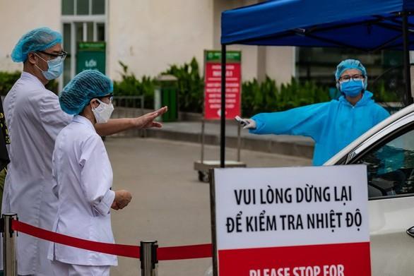 Bệnh viện Bạch Mai trong tình trạng nội bất xuất, ngoại bất nhập - Ảnh: Tuổi Trẻ