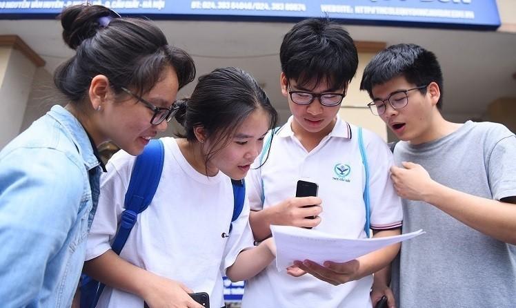 Hà Nội vẫn sẽ tổ chức thi 4 môn để tuyển sinh vào lớp 10 dù thời điểm này học sinh đang tiếp tục nghỉ học vì dịch COVID-19