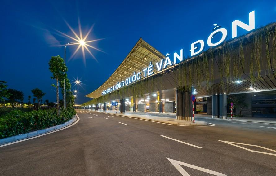Sân bay Vân Đồn chứng tỏ tầm vóc và vai trò quan trọng trong việc thực hiện các nhiệm vụ chính trị - xã hội