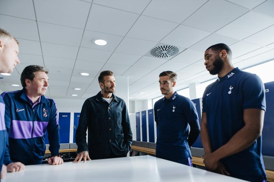 Harry Winks, David Beckham và Japhet Tanganga thảo luận về các giải pháp nhằm duy trì lối sống lành mạnh.