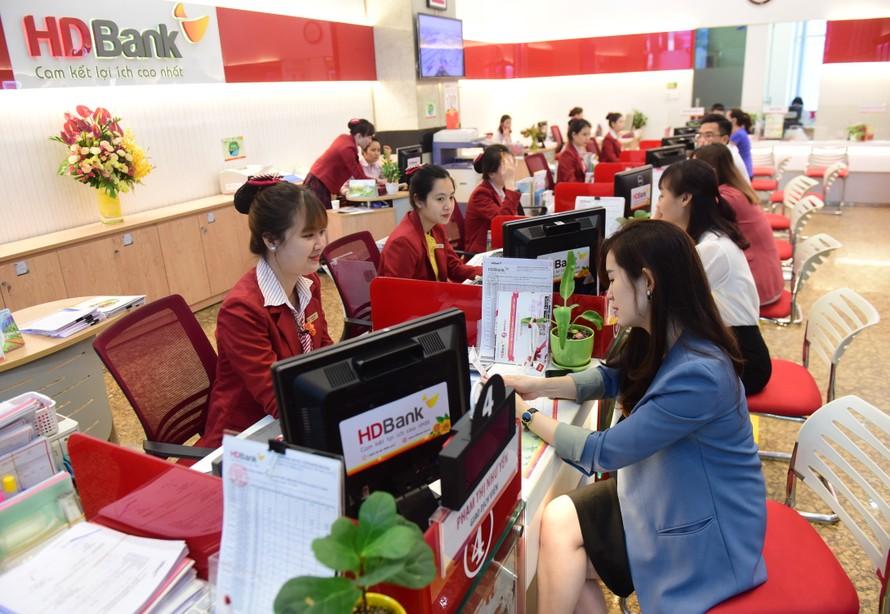 HDBank thúc đẩy thanh toán không tiền mặt, triển khai miễn giảm nhiều loại phí