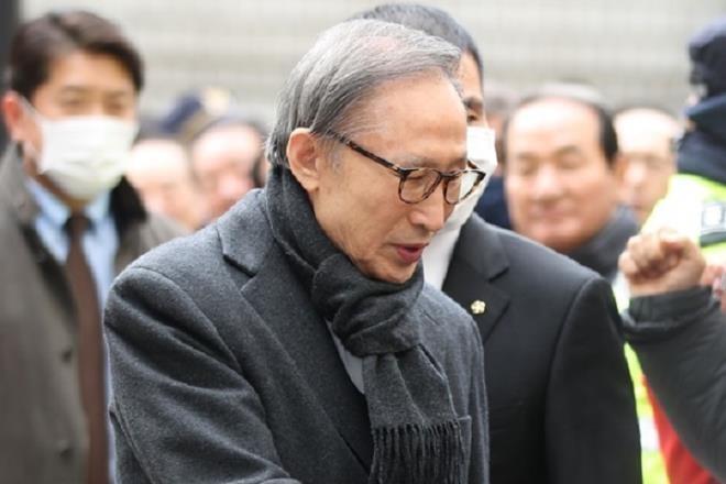 Cựu Tổng thống Lee Myung-bak. - Ảnh: Yonhap