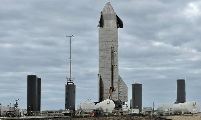 Nguyên mẫu SN10 ở Boca Chica. - Ảnh: NASA Spaceflight.