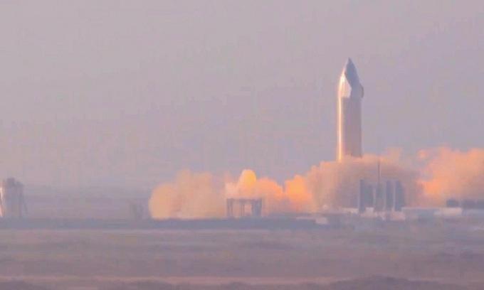 Tàu SN11 trong thử nghiệm hôm 22/3. - Ảnh: SpaceX.