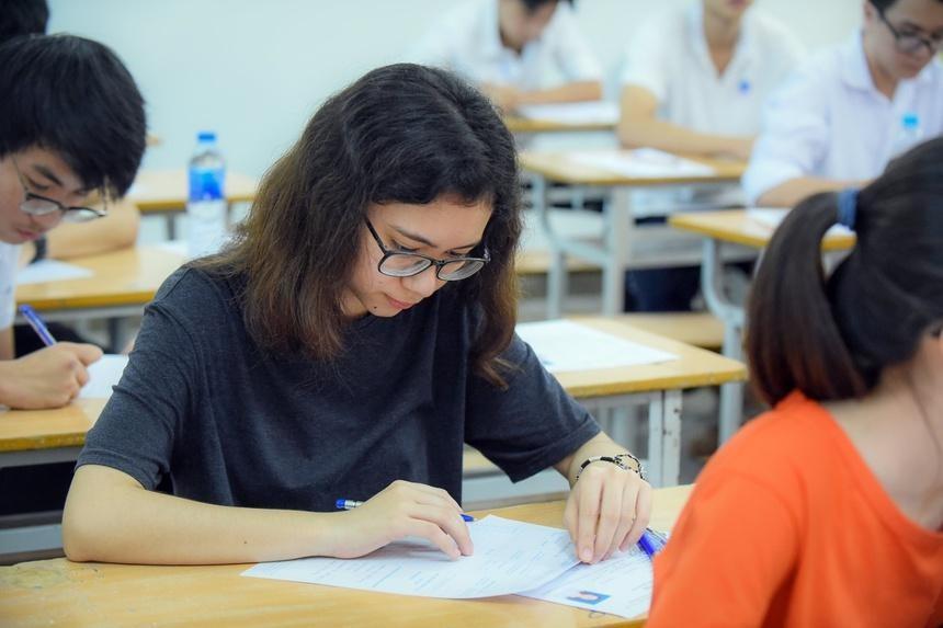 Đề xuất giảm lệ phí xét tuyển đại học cho thí sinh