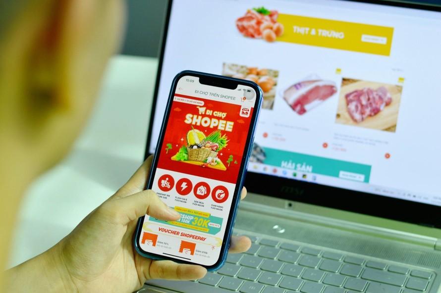 """""""Đi chợ Shopee"""": lựa chọn mới để mua thực phẩm, nhu yếu phẩm mùa giãn cách"""