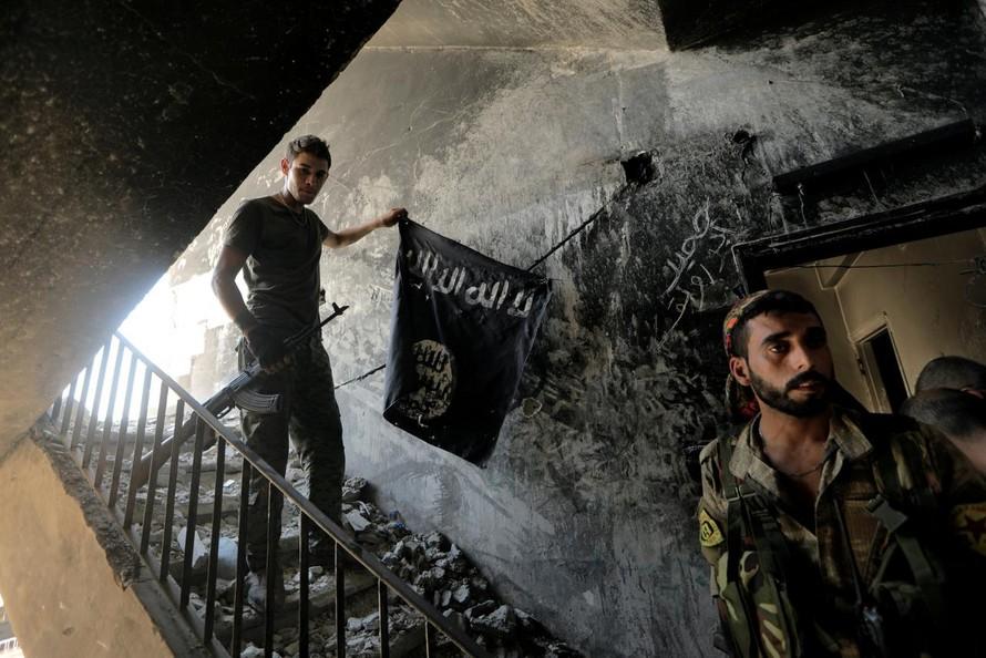 Khoảng 1000 chiến binh IS vẫn bám trụ Iraq và Syria
