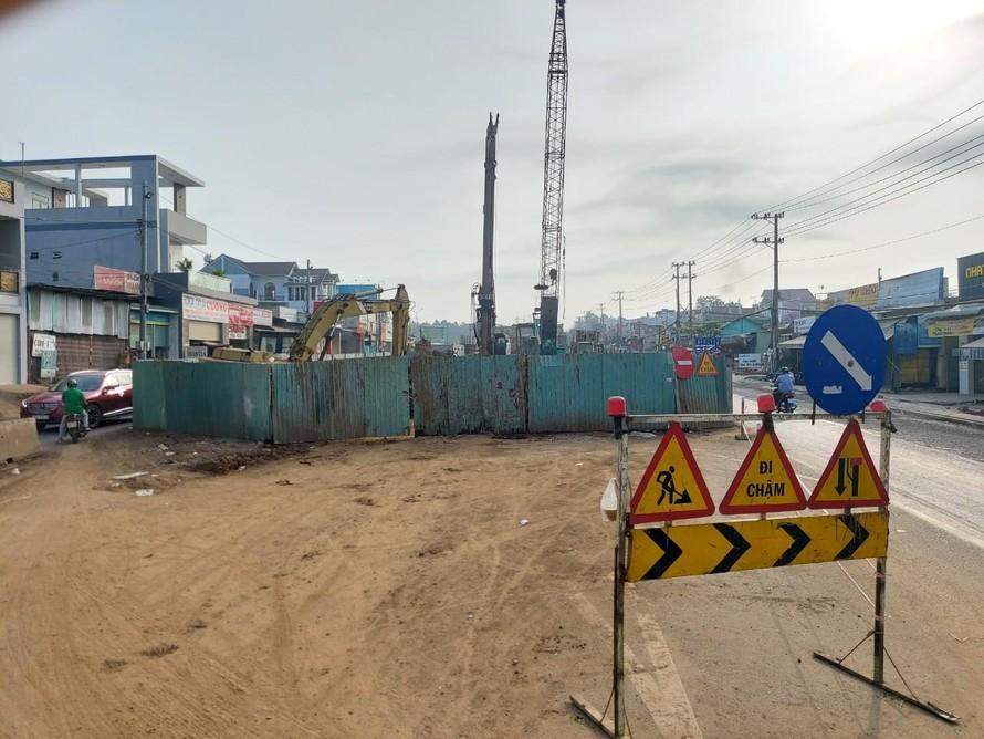 Dự án xây dựng cầu vượt Dầu Giây tiếp tục dừng thi công.