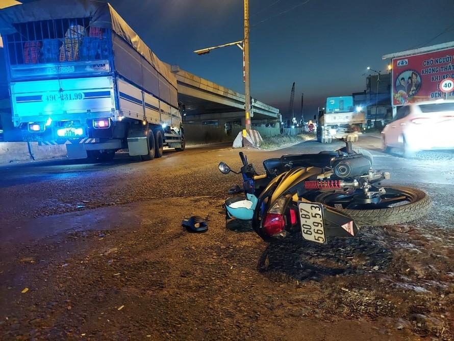 Hiện trường vụ tai nạn thương tâm khiến nam sinh 12 tuổi tử vong. Ảnh: Xuân Thời.