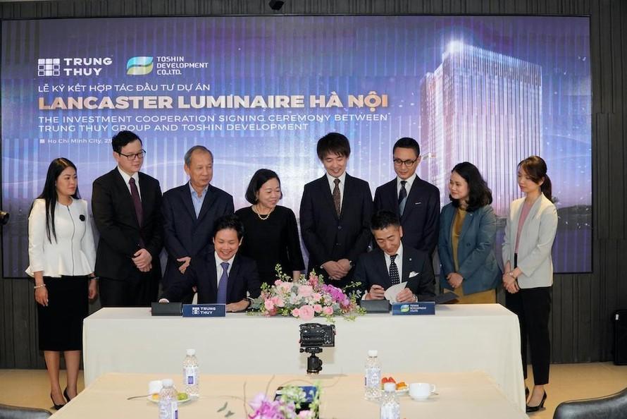 Lễ ký kết hợp tác đầu tư vào dự án Lancaster Luminaire giữa Tập đoàn Trung Thủy và Toshin Development.