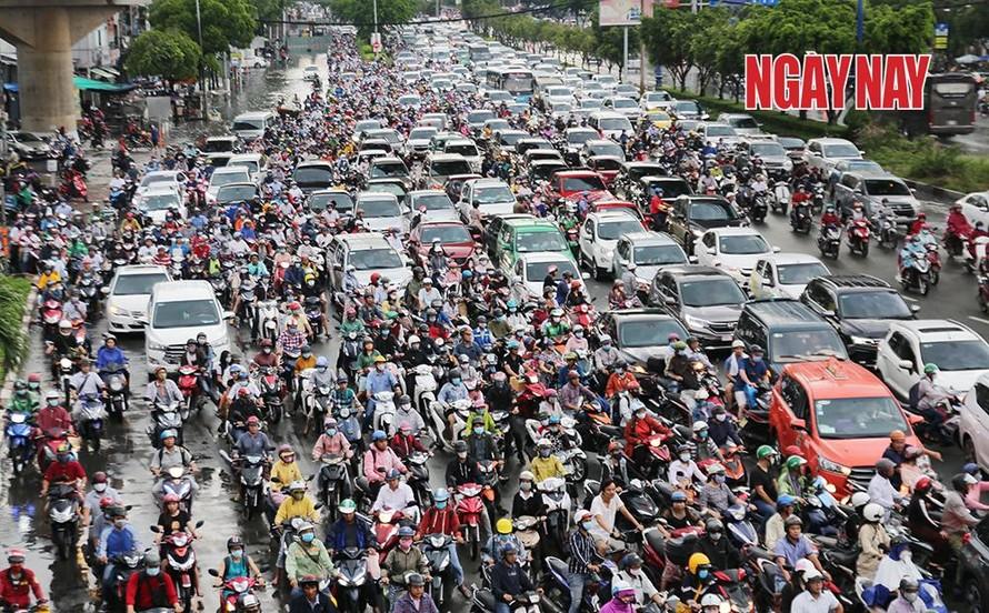 Việt Nam có khoảng 4,2 triệu ô tô và hơn 45 triệu xe máy đang lưu hành.