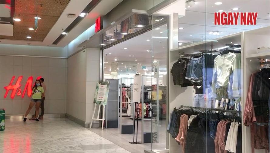 Cửa hàng H&M đìu hiu trước làn sóng tẩy chay của người Việt