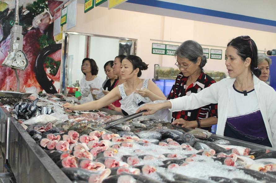 Đảm bảo tươi ngon là lợi thế đặc biệt của các mặt hàng thủy hải sản tại Co.opmart.