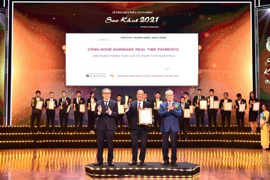 Hệ thống Agribank Realtime Payments – Hệ thống thanh toán giá trị thấp thời gian thực của Agribank đã đạt Giải thưởng Sao Khuê 2021 cho Hệ thống CNTT Xuất sắc trong lĩnh vực Ngân hàng.