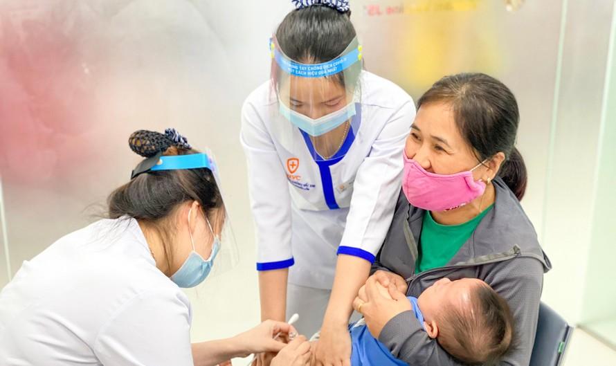 Khai trương Trung tâm Tiêm chủng VNVC Đồng Hới, kịp thời phục vụ người dân trước nguy cơ dịch bệnh.