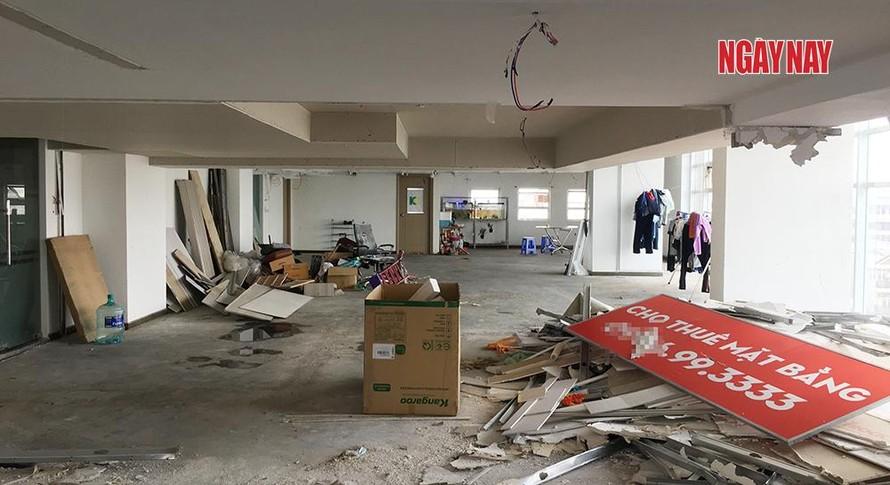 Nhóm côn đồ vào chiếm và xây dựng trái phép trong tầng kỹ thuật toà nhà để chuẩn bị cho thuê.
