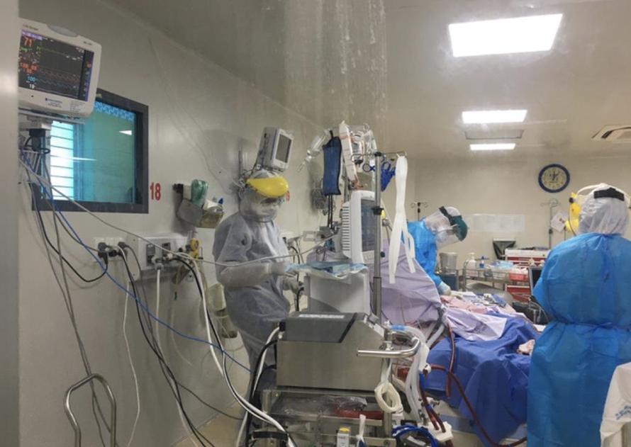 Bệnh nhân mắc Covid-19 rất nặng đang chạy ECMO tại Bệnh viện Bệnh Nhiệt Đới TP.HCM.