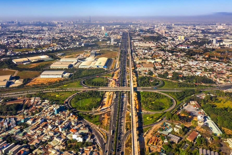 BĐS phía Đông trở thành điểm nóng của thị trường nhờ những lợi thế lớn về hạ tầng.