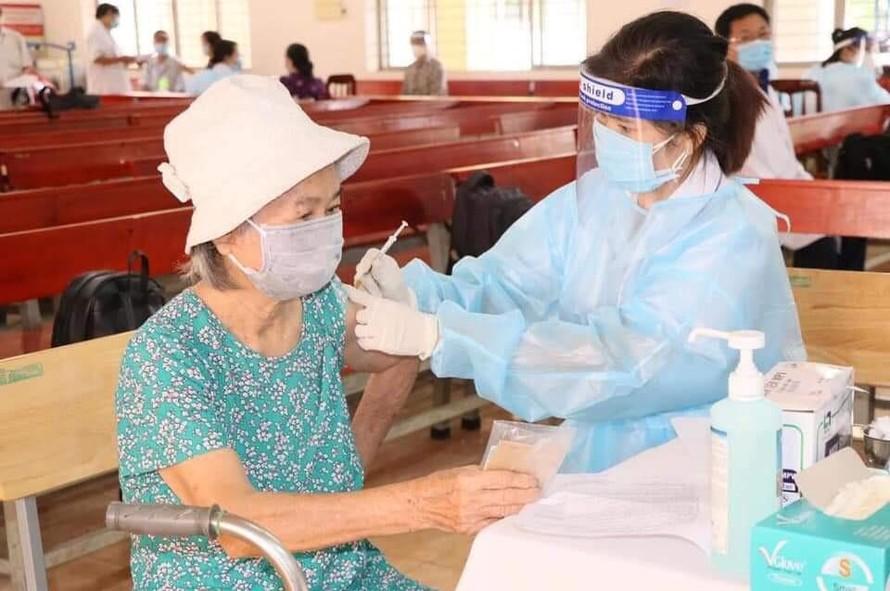 Đồng Nai đang đẩy nhanh tốc độ tiêm vắc xin cho người dân.