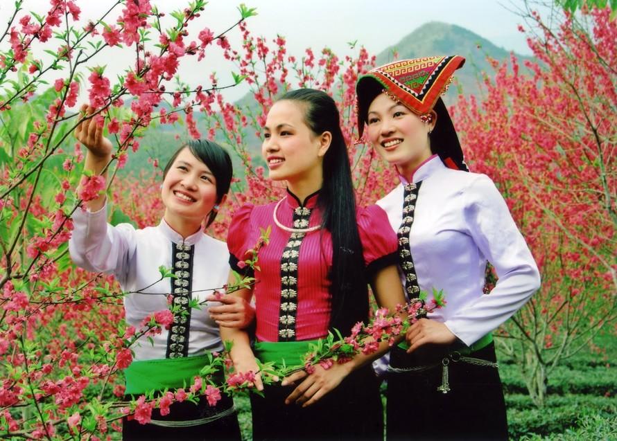 Trang phục truyền thống của con gái dân tộc Thái