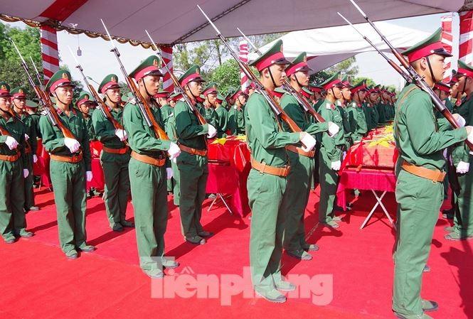 Lễ truy điệu và an táng hài cốt Liệt sĩ mùa khô 2018-2019 tại Nghĩa trang Liệt sĩ huyện Nghi Lộc