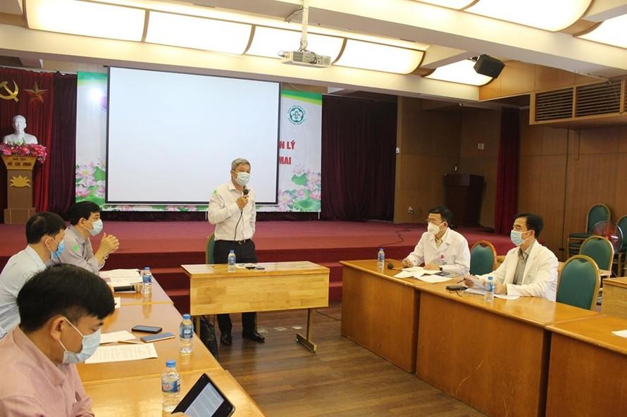Thứ trưởng Bộ Y tế Nguyễn Trường Sơn phát biểu tại buổi làm việc với BV Bạch Mai sáng ngày 25/3 về công tác phòng chống dịch COVID- 19 của BV.