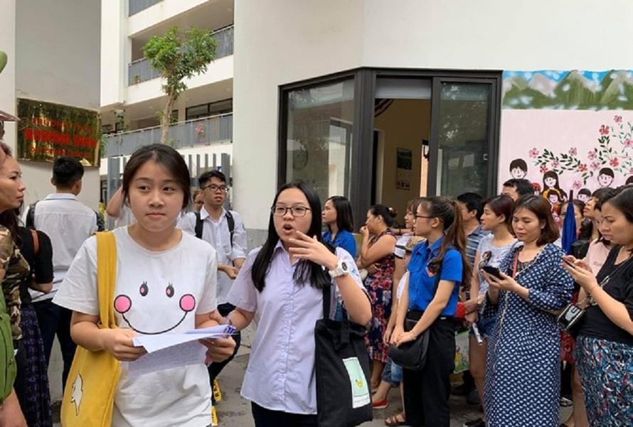 Dịch bệnh căng thẳng, các địa phương đồng loạt cho học sinh THPT nghỉ