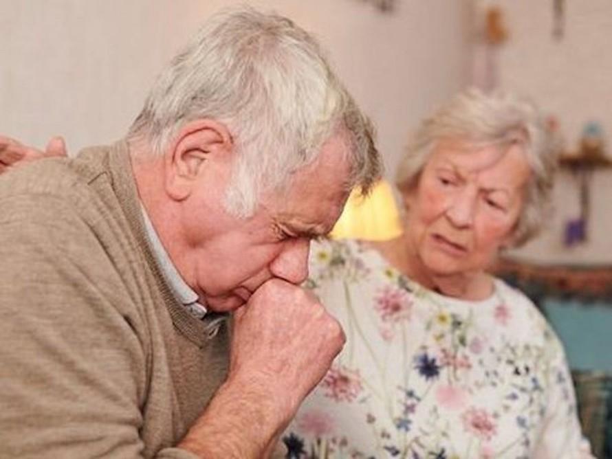 Khu vực đầu tiên của cơ thể bị ảnh hưởng bởi virus là mũi và sau cổ họng.