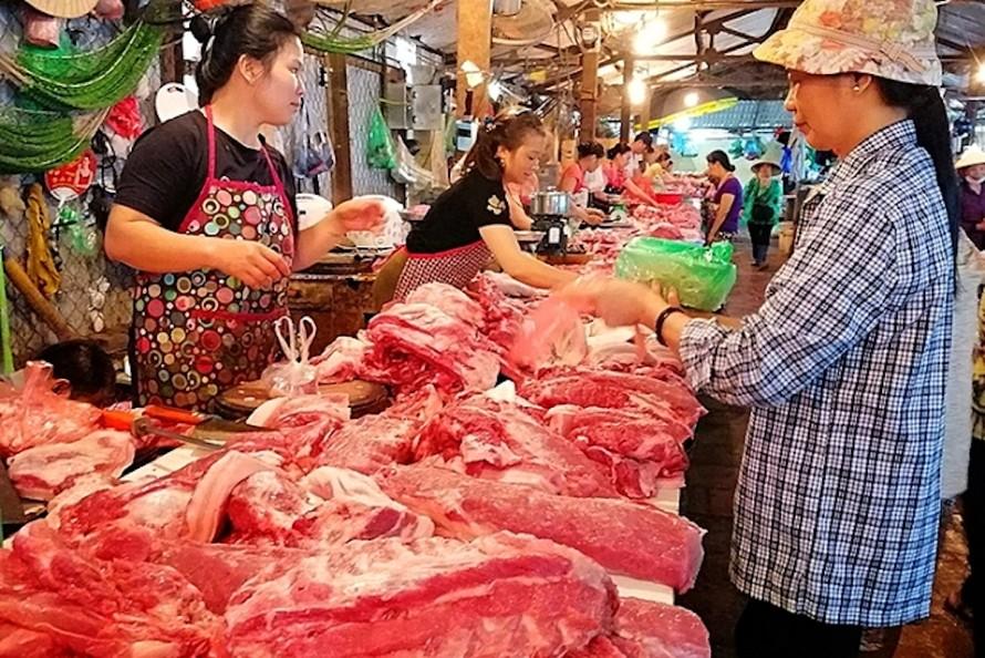 Người tiêu dùng nhìn chung vẫn ưa chuộng thịt lợn mới giết mổ