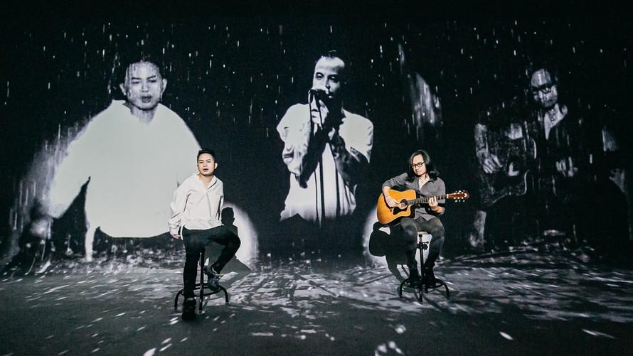 Cố nhạc sĩ Trần Lập xuất hiện trên sân khấu nhờ công nghệ 3D mapping, hát cùng Tùng Dương và nghệ sĩ guitar Tuấn Hùng