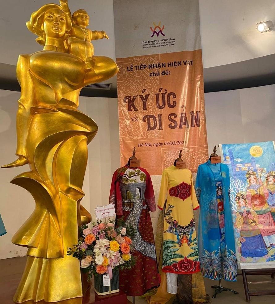 """Lễ tiếp nhận hiện vật chủ đề: """"Ký ức di sản"""" tại Bảo tàng Phụ nữ Việt Nam."""