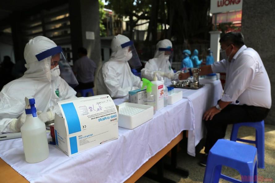 Hà Nội sẽ xét nghiệm COVID-19 cho 4.000 người trong cộng đồng