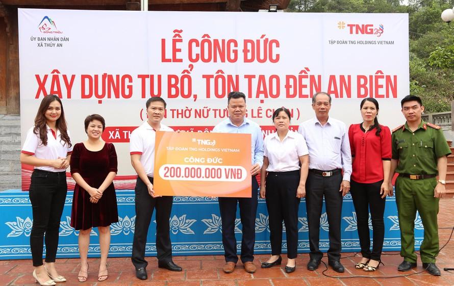 Chung tay cùng người dân phòng chống dịch COVID-19