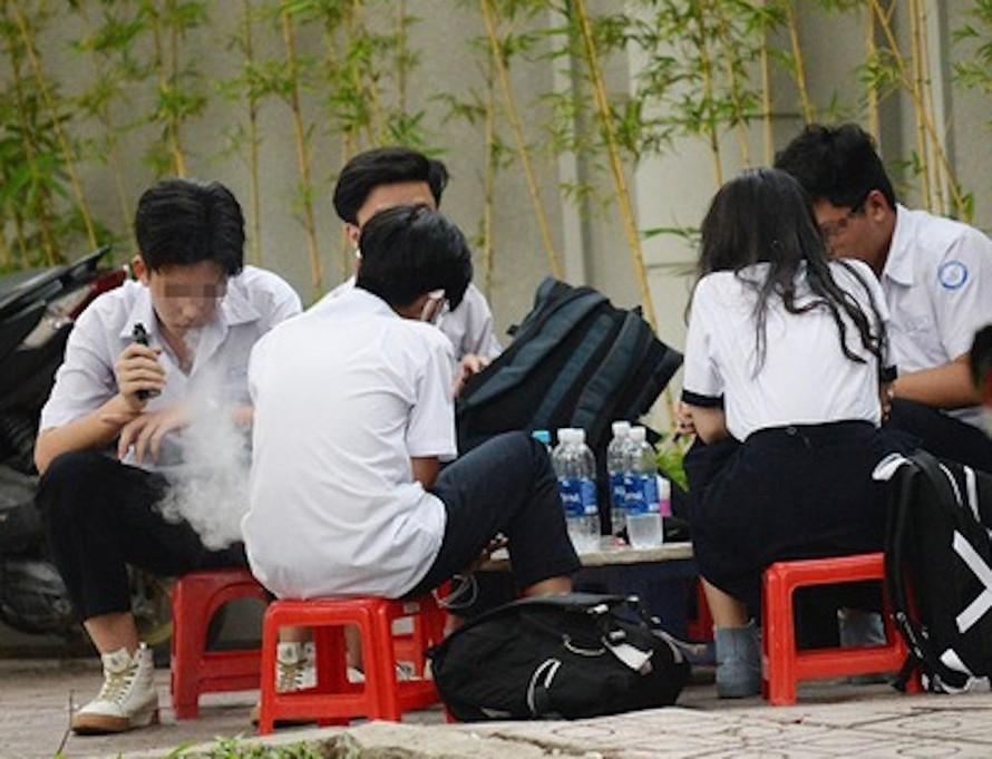 Học sinh bị đầu độc bằng thuốc lá điện tử có trộn ma tuý