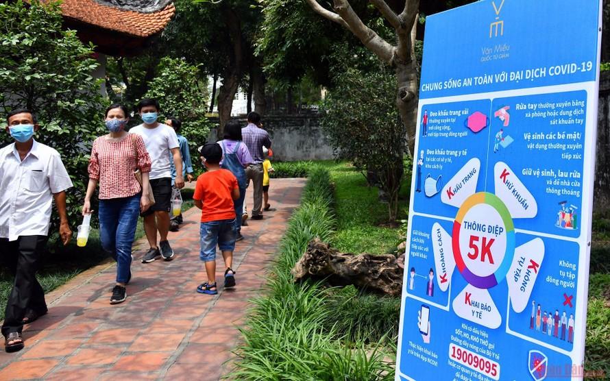 Người dân phải khai báo y tế khi quay trở lại Hà Nội sau kỳ nghỉ lễ