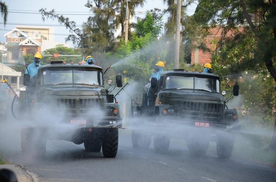 Thủ tướng: Một số địa phương còn lúng túng ứng phó khi dịch bùng phát