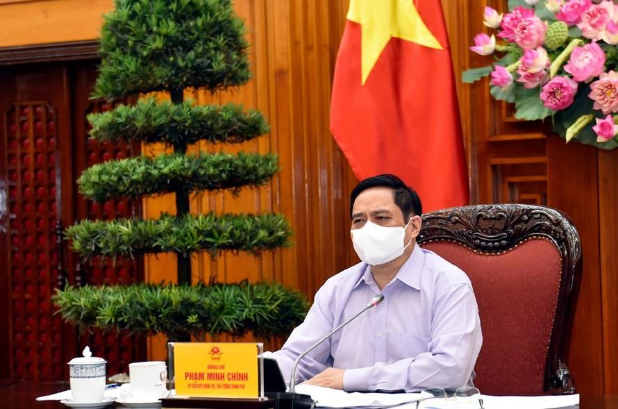 """Thủ tướng Phạm Minh Chính: Trong giai đoạn phát triển mới, phải đầu tư công sức nhiều hơn, """"vắt óc suy nghĩ"""" , chủ động hơn, sáng tạo hơn để tìm ra các giải pháp phù hợp, khả thi, hiệu quả; đặt lợi ích quốc, gia dân tộc lên trên hết, trước hết"""