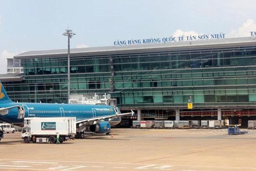 Tạm dừng nhập cảnh tại sân bay Tân Sơn Nhất