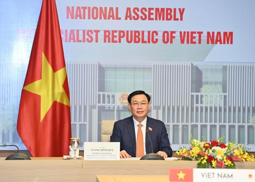 Nhật Bản cam kết tiếp tục hỗ trợ Việt Nam tiêm ngừa COVID-19