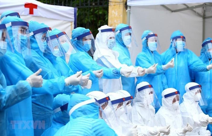 32 thầy thuốc được Thủ tướng khen vì có thành tích xuất sắc chống dịch COVID-19