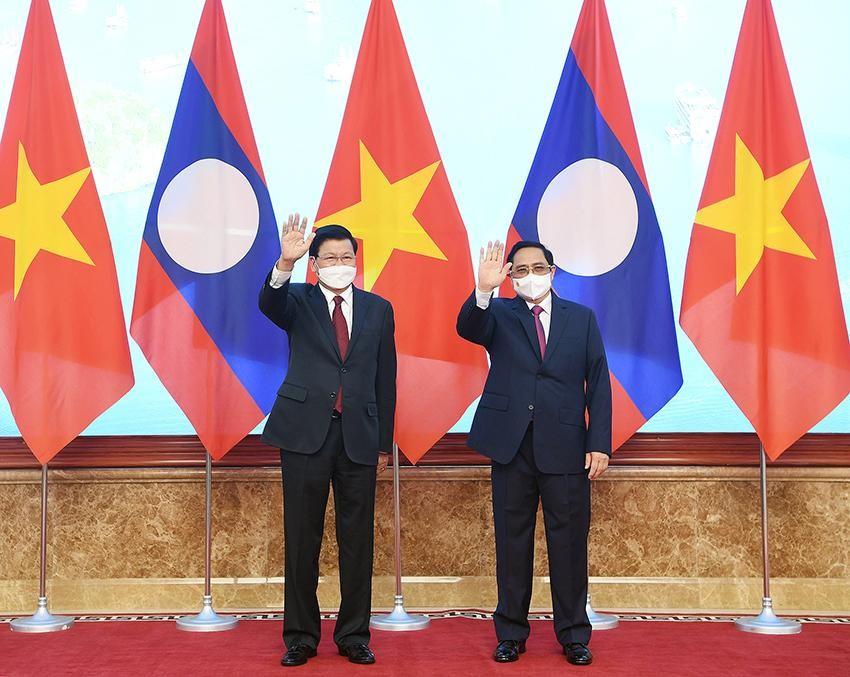 Việt Nam, Lào nhất trí thúc đẩy triển khai sớm các dự án kết nối giao thông chiến lược