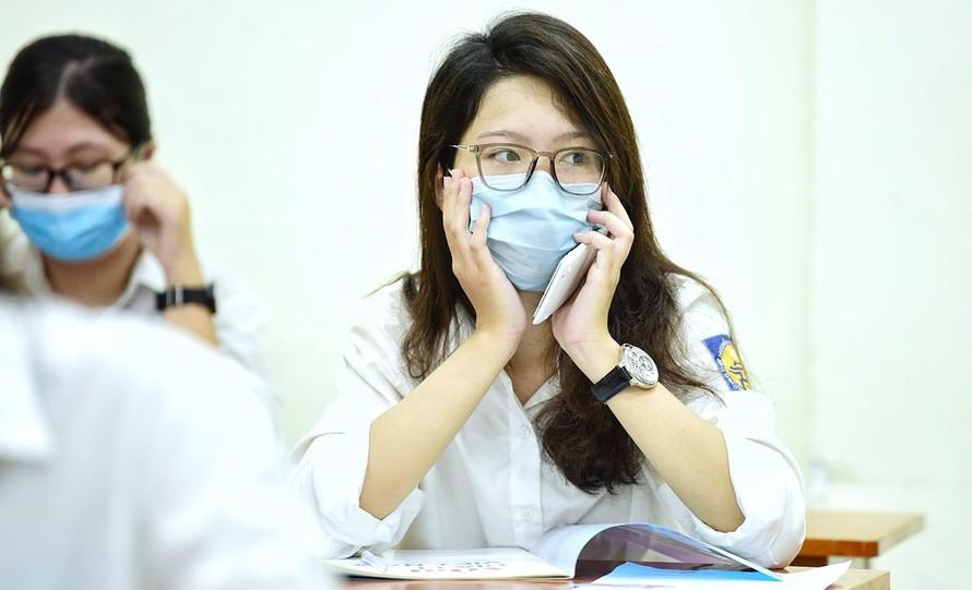 Bộ GD-ĐT: Có 33 thí sinh là F0, 18 nghìn trường hợp ảnh hưởng bởi dịch COVID-19