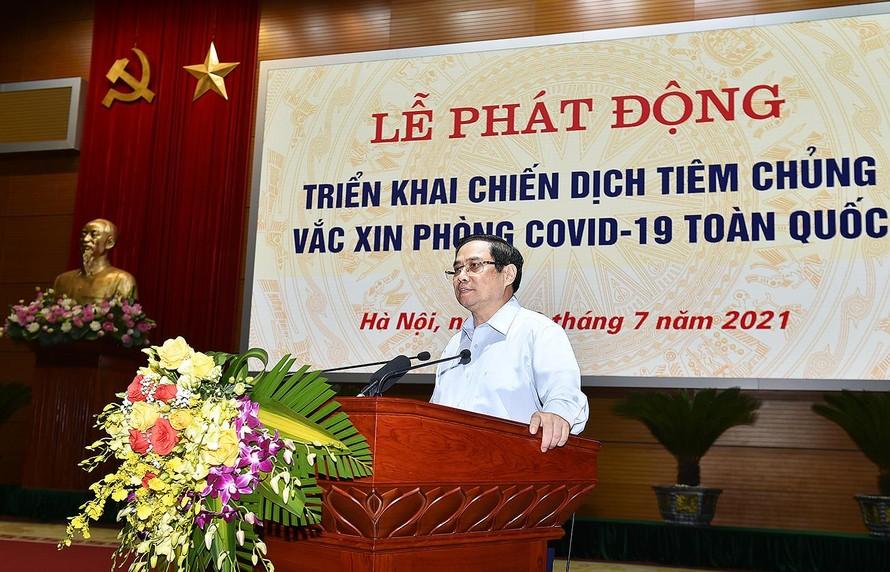 Thủ tướng Phạm Minh Chính phát động triển khai Chiến dịch tiêm chủng vaccine phòng chống COVID-19 trên toàn quốc.