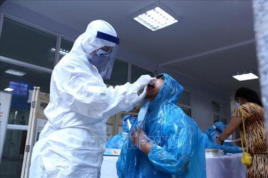 Sáng 18/7: Hà Nội ghi nhận 13 trường hợp dương tính với SARS-CoV-2