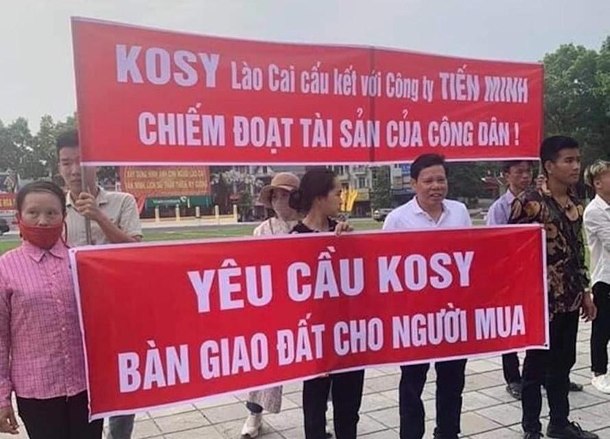 Hình ảnh khách hàng đòi quyền lợi tại dự án Kosy Mountain View Lào Cai