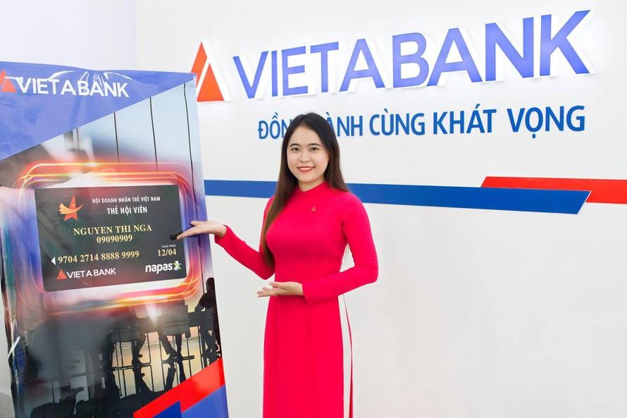 Việt Á Bank: Cổ phiếu giá rẻ, nợ xấu tăng mạnh
