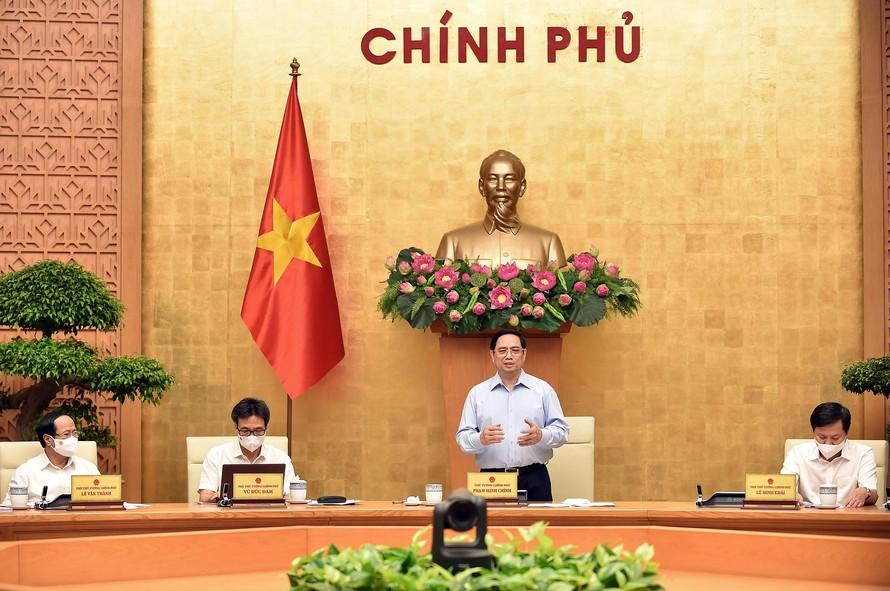 Kết luận Hội nghị, Thủ tướng Phạm Minh Chính tán thành với nhiều ý kiến tại cuộc họp là phải ưu tiên vaccine cho TP Hồ Chí Minh.
