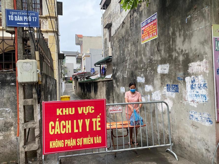 Người dân Hà Nội được yêu cầu tuyệt đối không ra khỏi thành phố